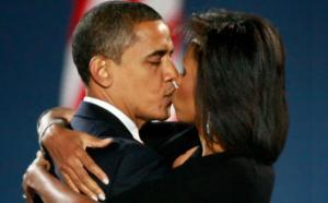 obamas kissing
